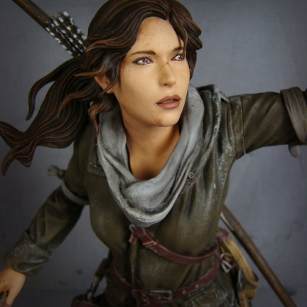 statuette-laracroft-rise-of-the-tombraider-microsoft 04